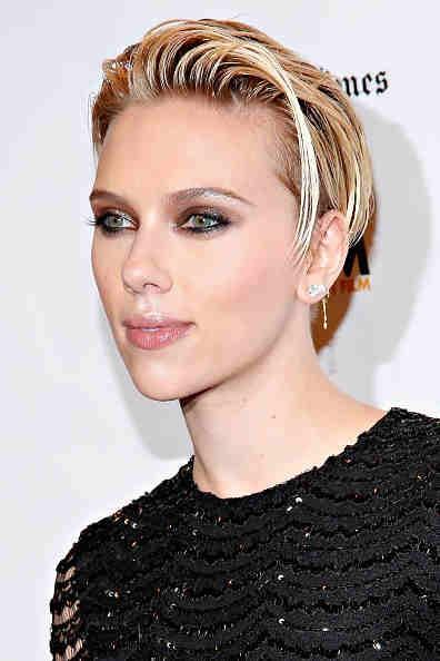 Scarlett Johansson Talks Black Widow S Origins In Avengers