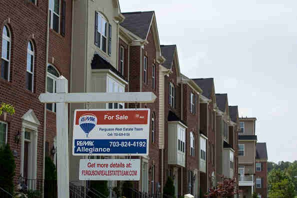 Sales of New Homes in U.S. Unexpectedly Fell to Seven-Month Low, Housing Outlook Still Positive