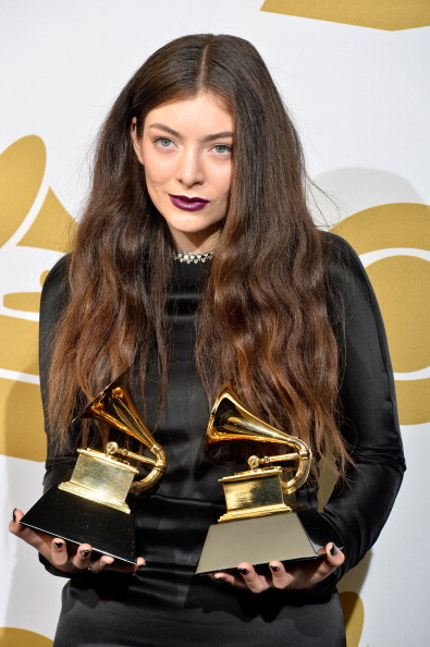 Lorde To Release New Album Soon? 'Royals' Singer Actively ...