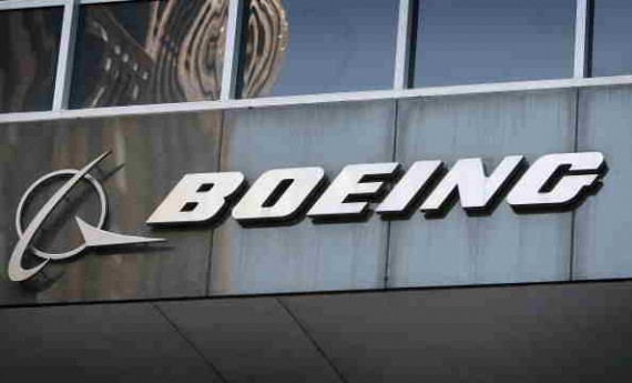 Boeing Signs Deal with a Group of Chines Companies to Sell 300 Aircraft, Build Aircraft Completion Center in China