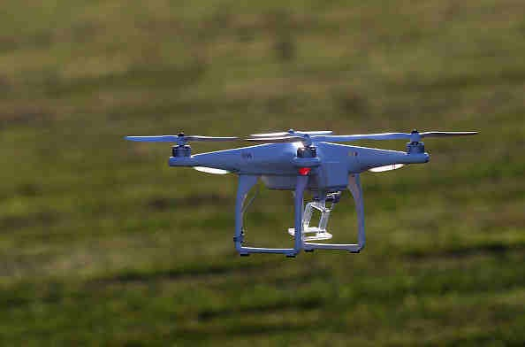 Wal-Mart Asks Permission to Test Drones for Home Delivery and Pickup, Looking to Compete Against Amazon