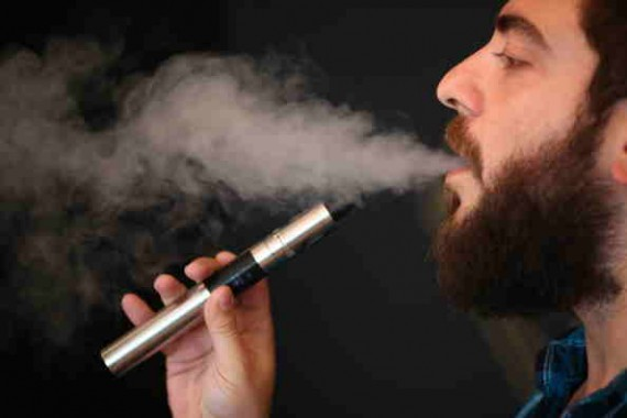 U.S. Bans Putting E-Cigarettes in Checked-in Luggage and the Use and Charging of it on Planes, Avoid Safety Risks