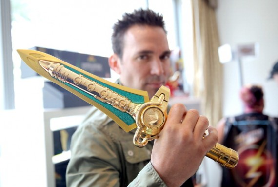 'Mighty Morphin Power Rangers' Movie Reboot Finally Moving Forward! New Director In Negotiations Following Roberto Orci's Exit