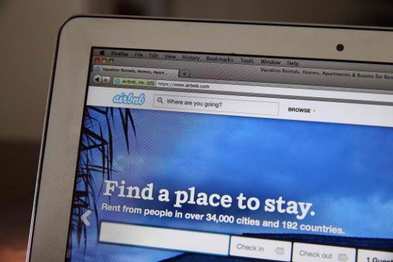 Home sharing service AirBnB received $1.5 billion via private placement, putting its valuation at $25.5 billion.
