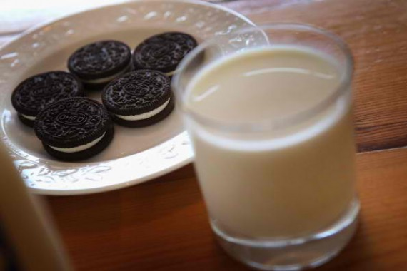 Mondelez will introduce a slimmer version of the classic Oreo cookie this July.