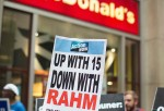 McDonald's employees in the US calls on the company to raise its minimum wage.