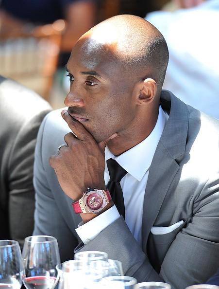 Los Angeles Lakers VP Jim Buss defends expensive Kobe Bryant salary