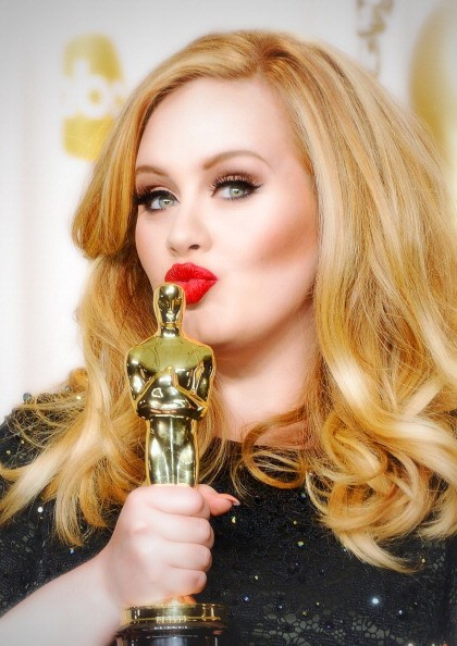 Adele Hesitant To Sing Her New Songs Live Despite A Sold Out Ticket Sales For 2016 Tour?