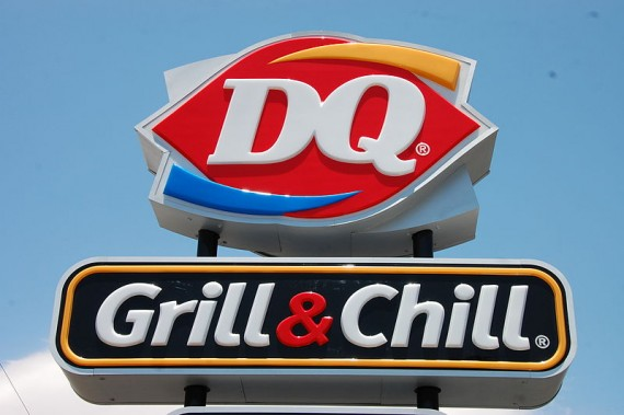 DQ GRill & Chill Sign