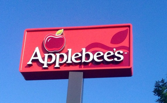 Applebee S Shows Off New Burgers In Digital Ad Franchise