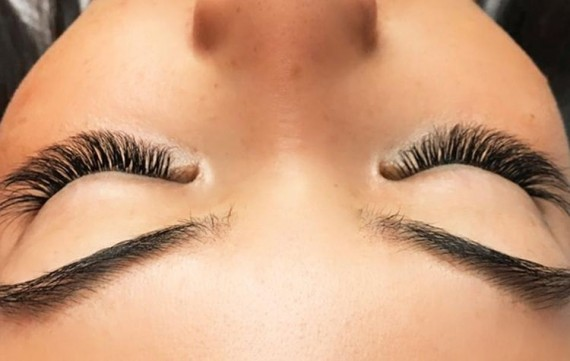 How The Blink Bar Founder Tirzah Shirai Is Leading The Eyelash Extension Boom