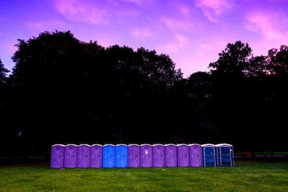 3 Things to Consider When Hiring Portable Toilets for a Franchise